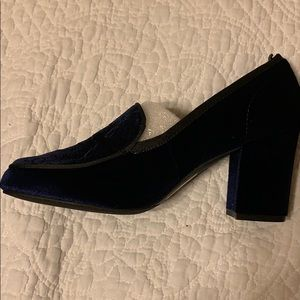 New York Transit Shoes - Beautiful blue velvet shoes